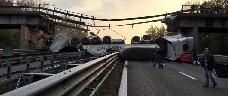 Il crollo dei ponti blocca i Trasporti Eccezionali